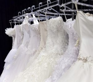 خشكشويي لباس عروس با كمترين زمان